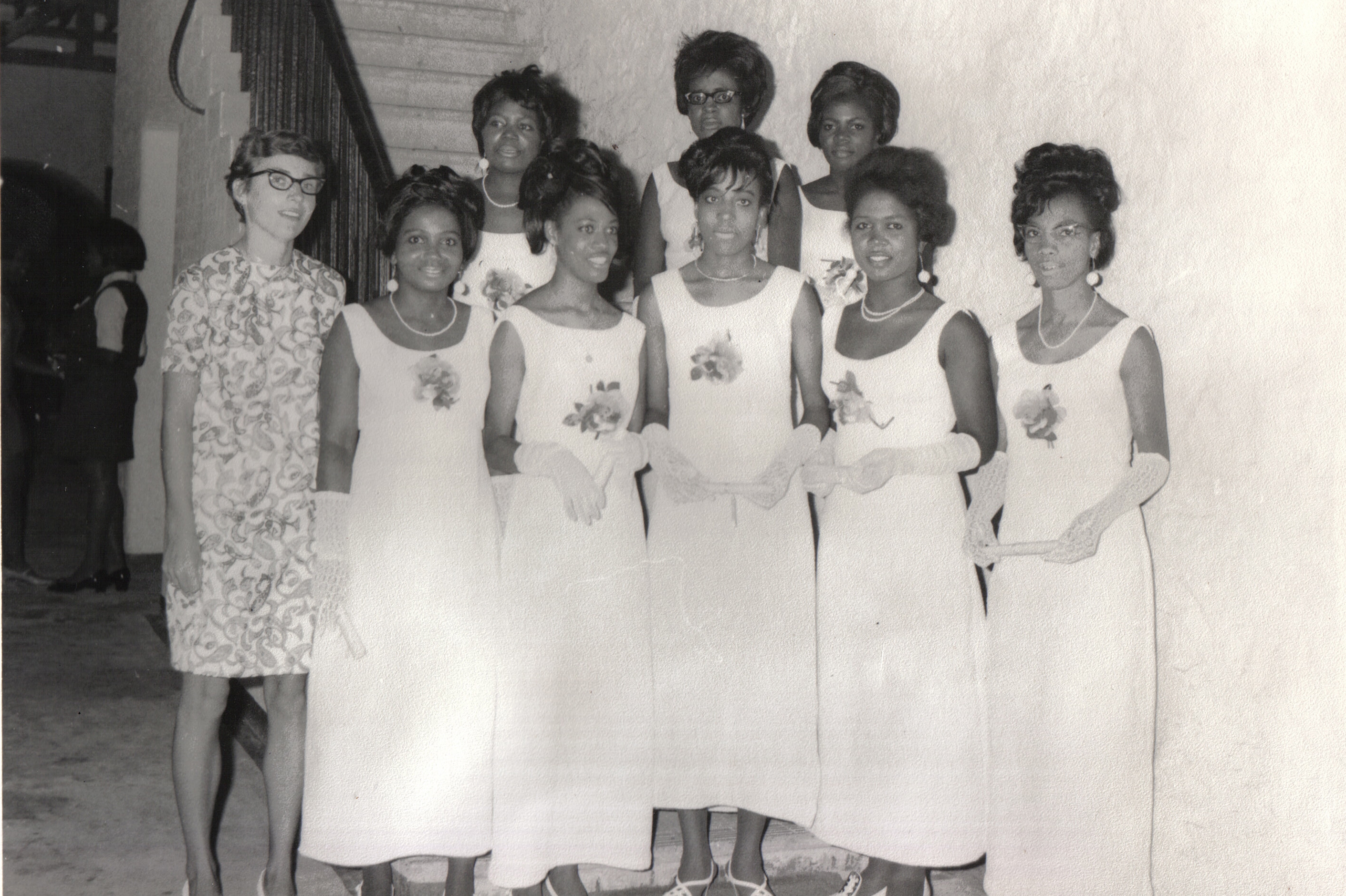 Mary Robinson Slabey '64 with St. Lucian students.