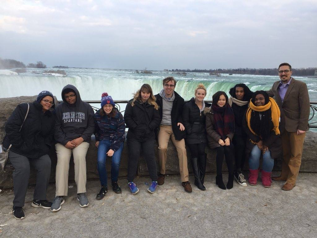 Students enjoying Niagra Falls on thier way to a confrance in Canada.