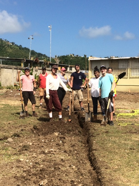 A group photo of students and volunteers in the Puerto Rico