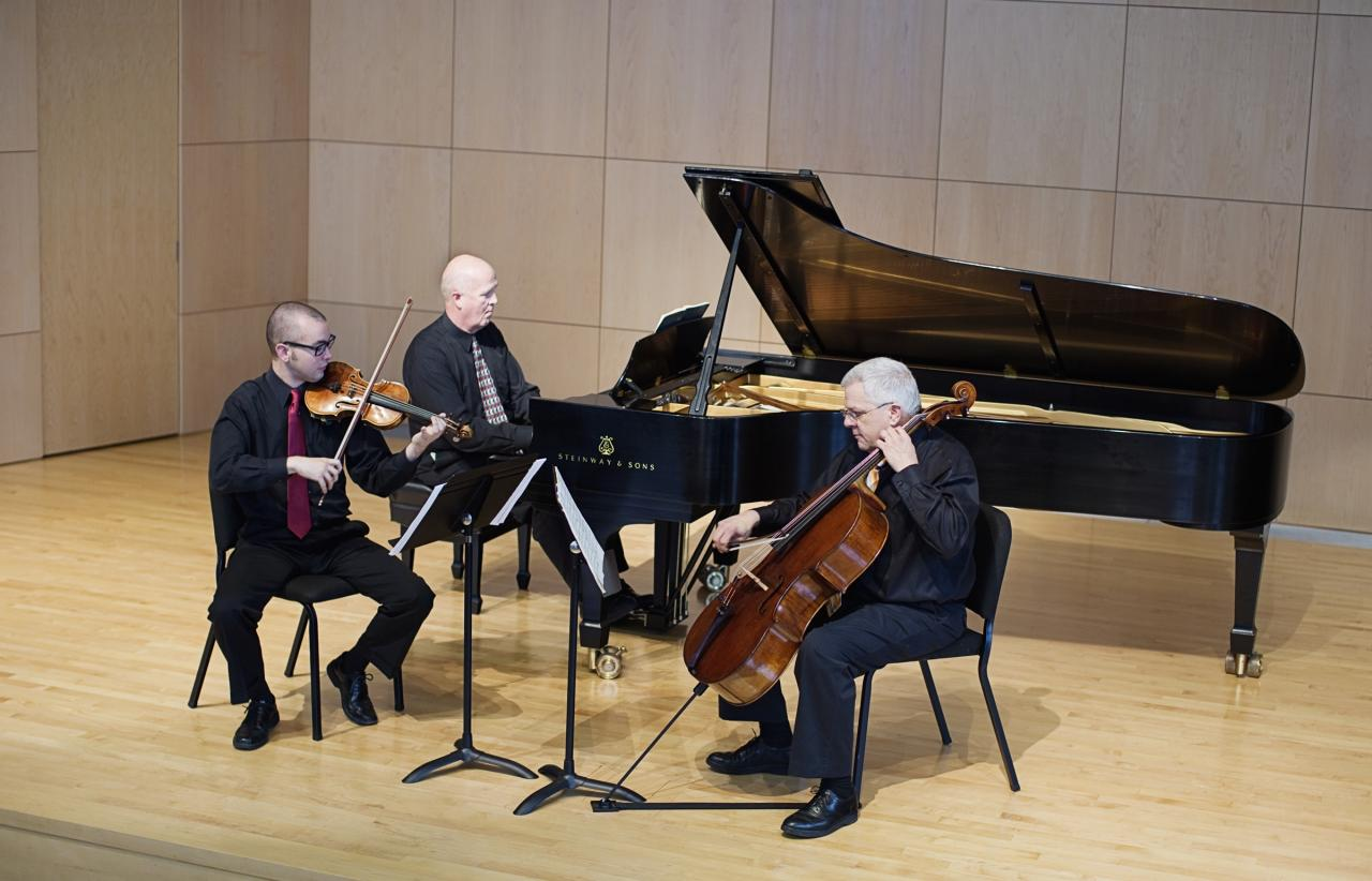 Piano trio geneseo suny geneseo for Piano diviso