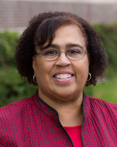 Portrait of Valarie Scott '82