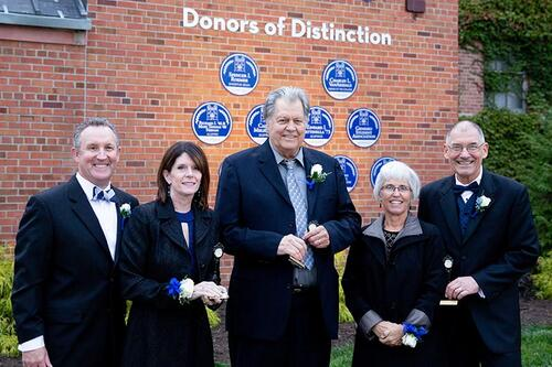 Donors of Distinction group photograph.